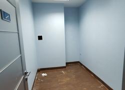 Закончили покраску стен и укладку плитки