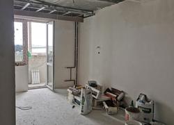 Готовые к отделке стены, многоуровневый потолок